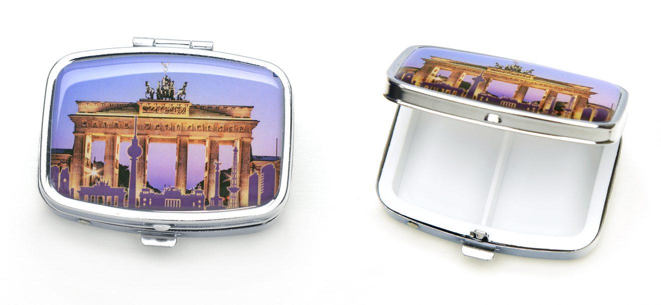 100-7003_Pillendose_BERLIN_Br-Tor